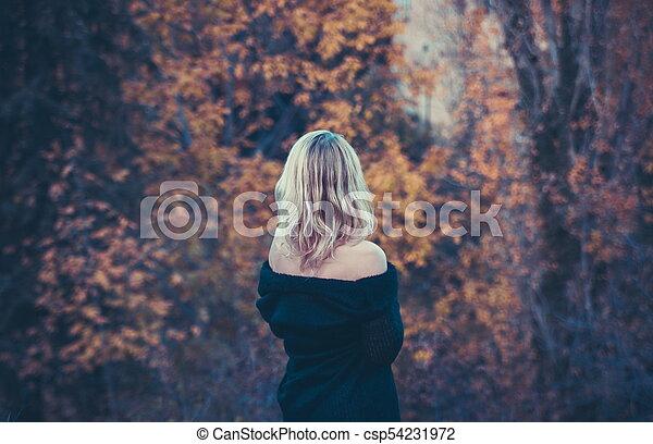 bonito, outono, mulher, parque, loura - csp54231972
