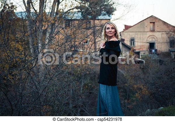 bonito, outono, mulher, parque, loura - csp54231978