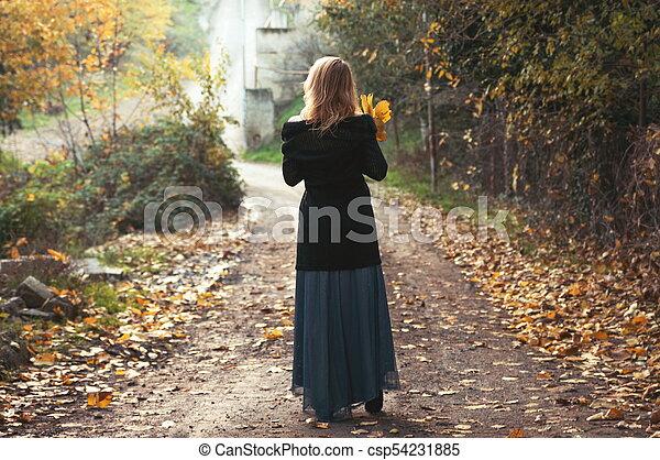 bonito, outono, mulher, parque, loura - csp54231885