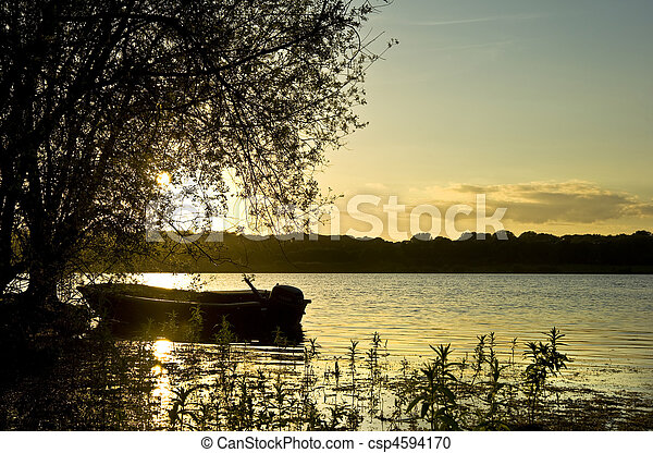 bonito, pôr do sol, lago, bote - csp4594170