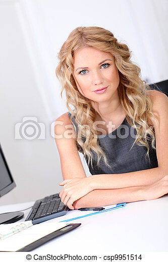 bonito, retrato, mulher, escritório - csp9951514
