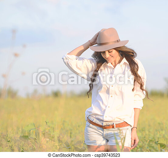 bonito, retrato, mulher, jovem, natureza - csp39743523