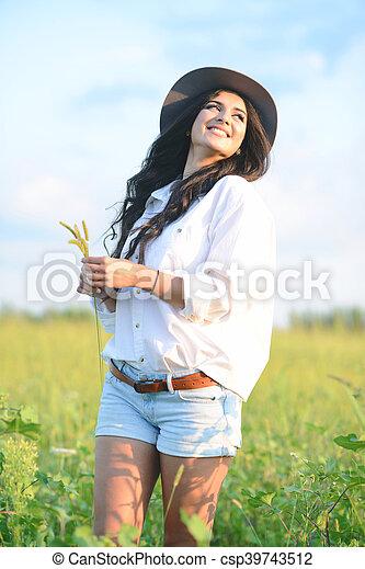 bonito, retrato, mulher, jovem, natureza - csp39743512