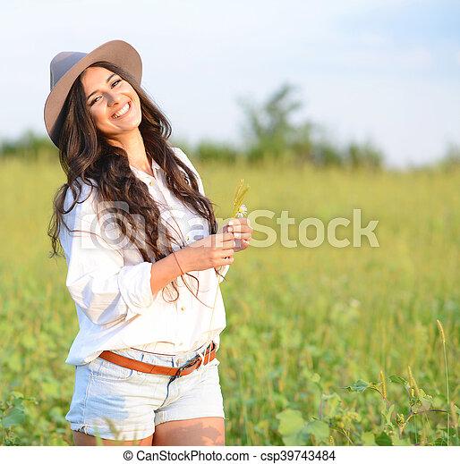 bonito, retrato, mulher, jovem, natureza - csp39743484