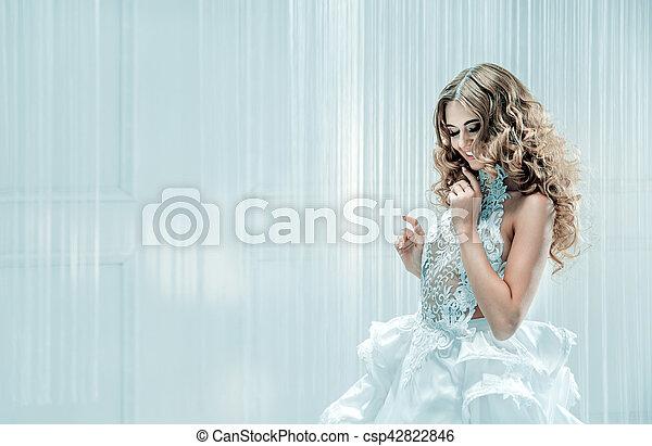 bonito, retrato, mulher, loura - csp42822846