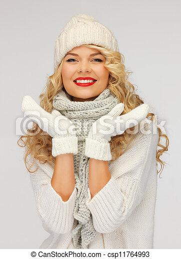 bonito, silenciador, mulher, chapéu, mittens - csp11764993