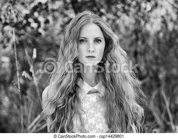 bonito, verão, mulher, jardim, jovem - csp14429801