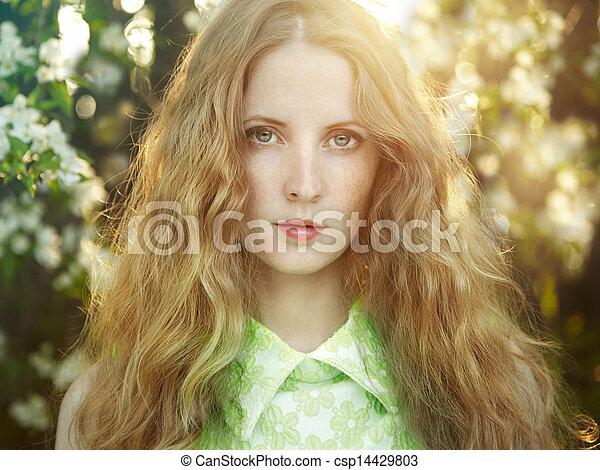 bonito, verão, mulher, jardim, jovem - csp14429803