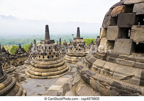 borobudur の寺院, インドネシア - csp4979805