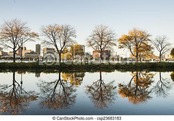 Boston, Charles River esplanade. - csp23683183