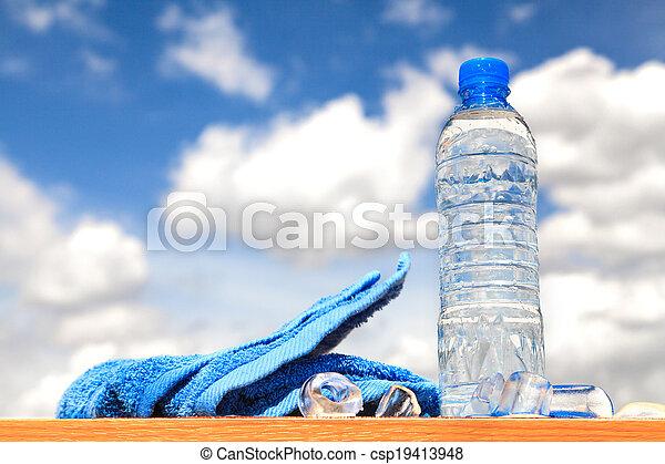 Botellas de agua - csp19413948