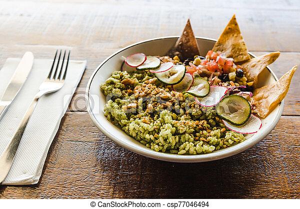 bouddha, riz, pesto, bol, tortilla, mélangé, haricots, chips - csp77046494