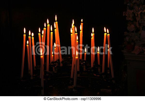 bougies, victime - csp11309996