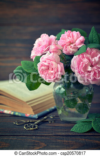 Bouquet of tea roses - csp20570817