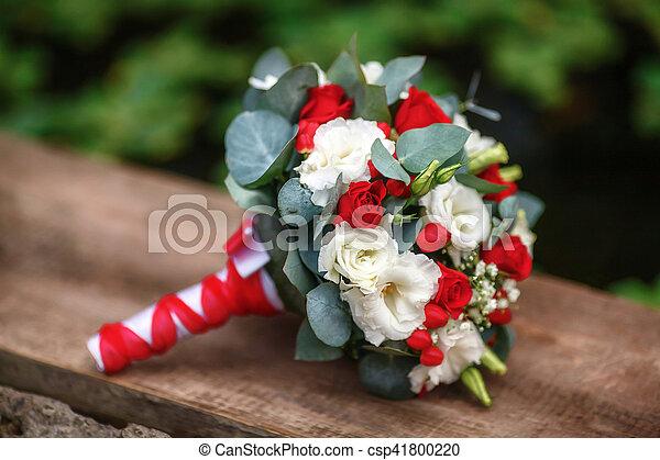 Bouquet Roses Fond Mariage Bois Blanc Rouge