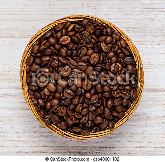 Bowl with Brown Roasted Coffee Beans - csp40601102