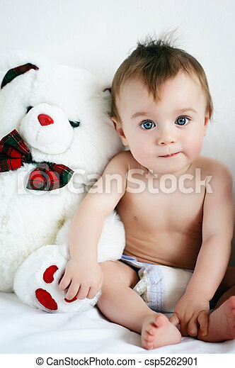 Boy and bear - csp5262901