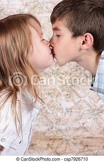 Girl Kiss Each Other