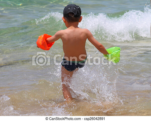 boy in the sea - csp26042891
