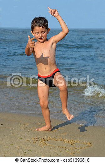 Kid beach pic 18