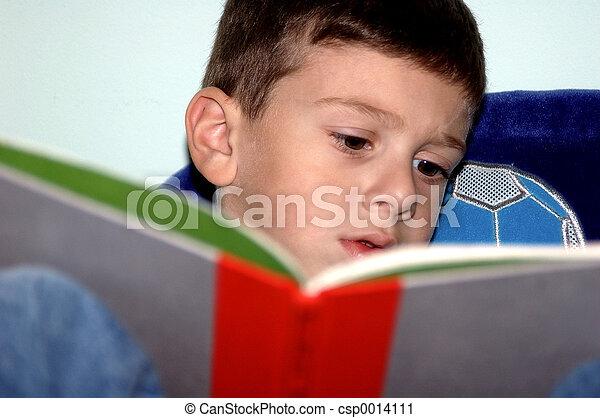 Boy Reading - csp0014111