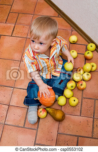 boy with apples - csp0553102