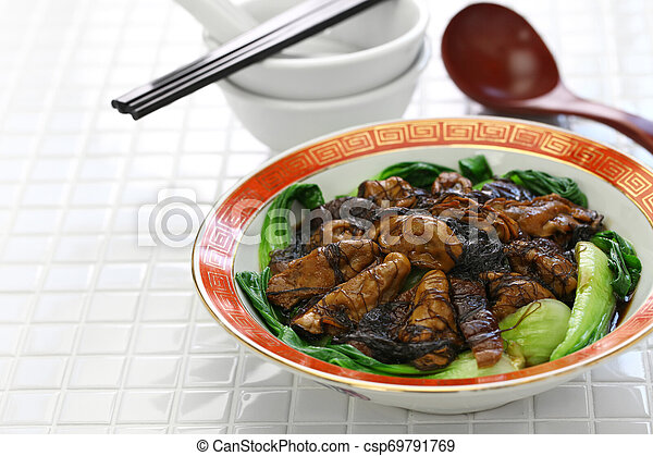 braised dried oysters with black moss (ho see fat choy ) - csp69791769