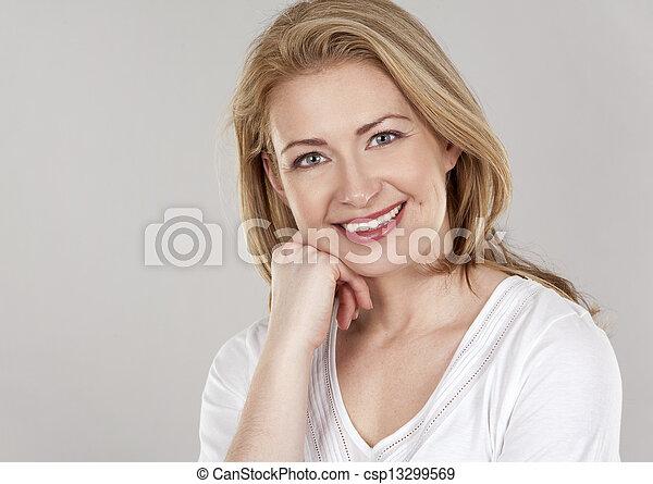 branca, mulher - csp13299569