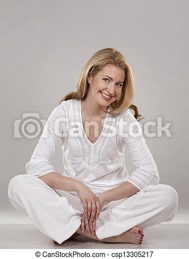 branca, mulher - csp13305217