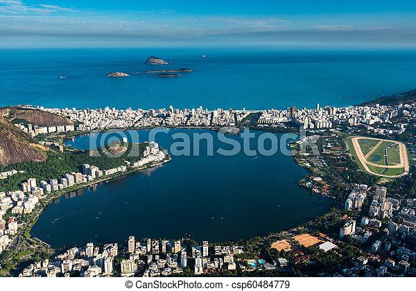 Laguna en Río de Janeiro, Brasil - csp60484779