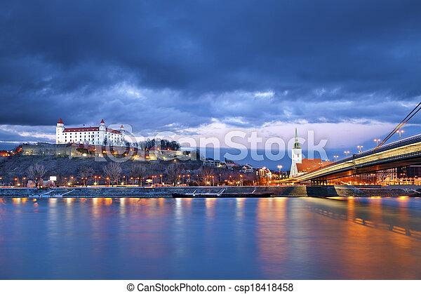 Bratislava, eslovakia. - csp18418458