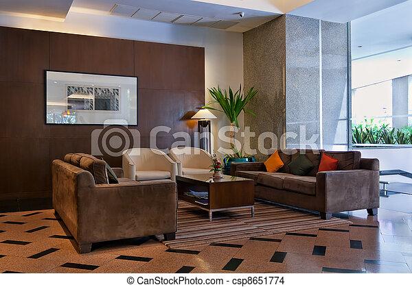 Braune Sofas in die Lobby - csp8651774