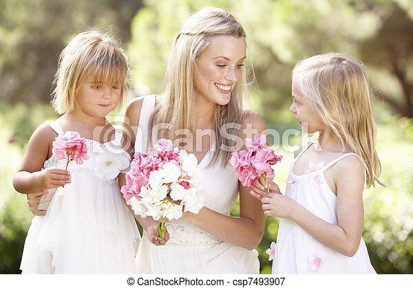 braut, wedding, brautjungfern, draußen - csp7493907
