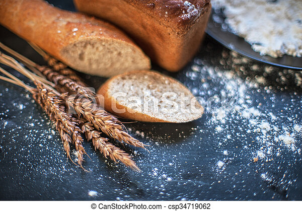 Bread composition with wheats - csp34719062