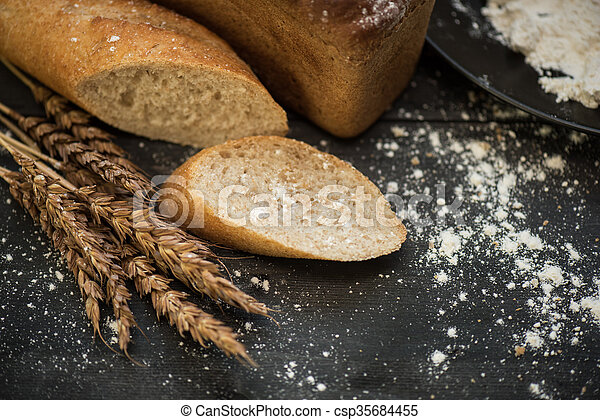 Bread composition with wheats - csp35684455