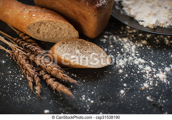 Bread composition with wheats - csp31538190