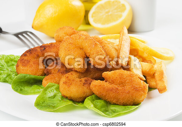 Breaded shrimp snack with french fries - csp6802594