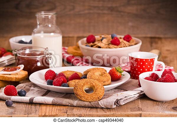 Breakfast with wholegrain cereals. - csp49344040