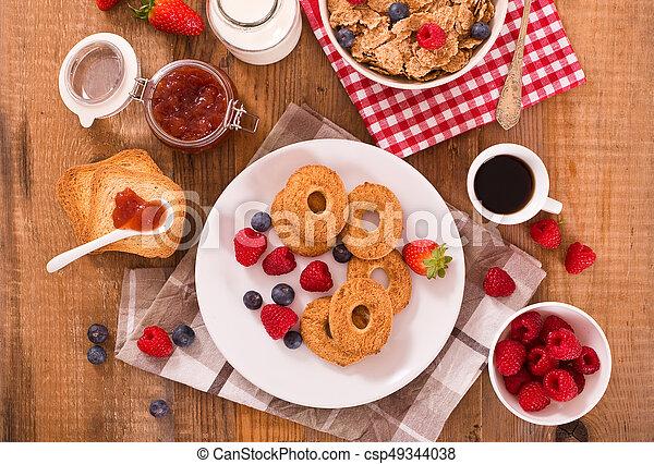 Breakfast with wholegrain cereals. - csp49344038