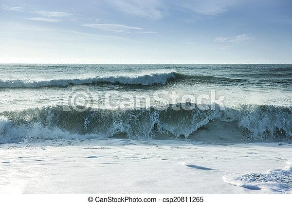 Breaking ocean waves - csp20811265
