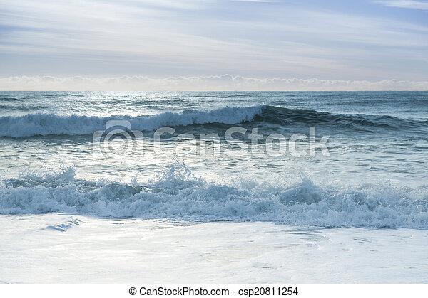 Breaking ocean waves - csp20811254