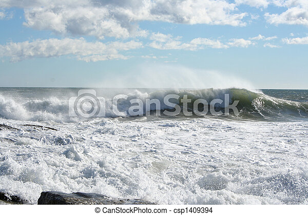 BREAKING WAVES - csp1409394