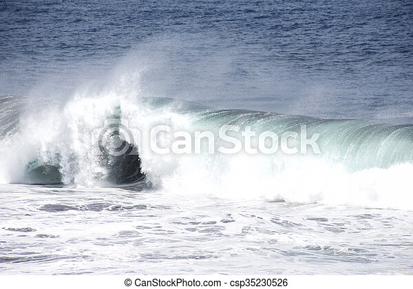 breaking waves - csp35230526