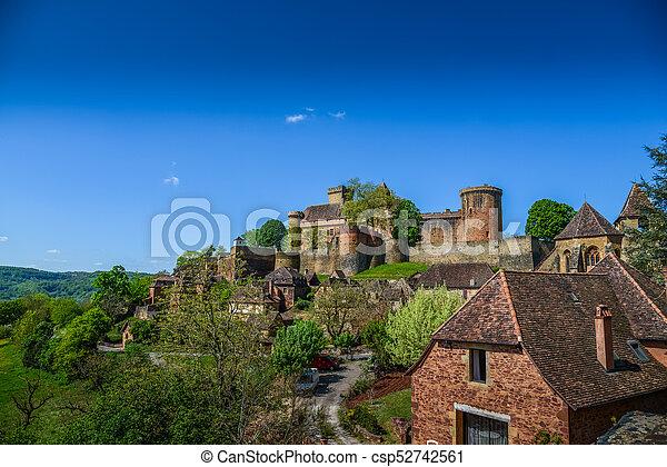 Bretenoux Castelnau medieval castle, lot, quercy, dordogne france - csp52742561