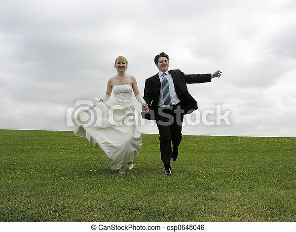 Phenomenal Bride And Groom Running Download Free Architecture Designs Scobabritishbridgeorg