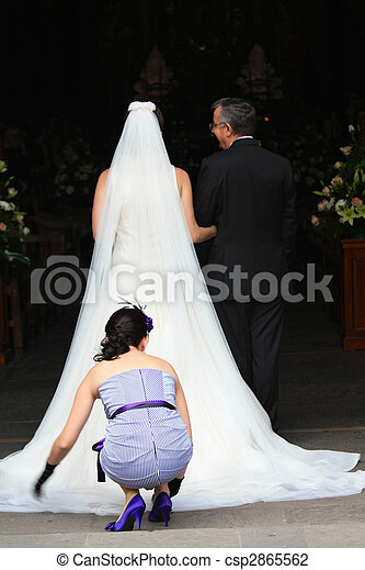 Bride entering the church - csp2865562