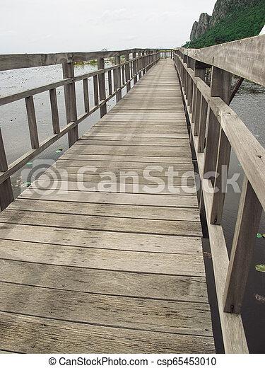 Bridge on the lake - csp65453010