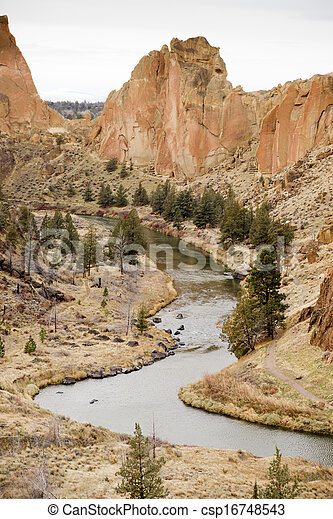 Bright Overcast Day Rugged Oregon Landscape Crooked River  - csp16748543