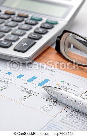 brille, taschenrechner, tabelle, bestand - csp7602448