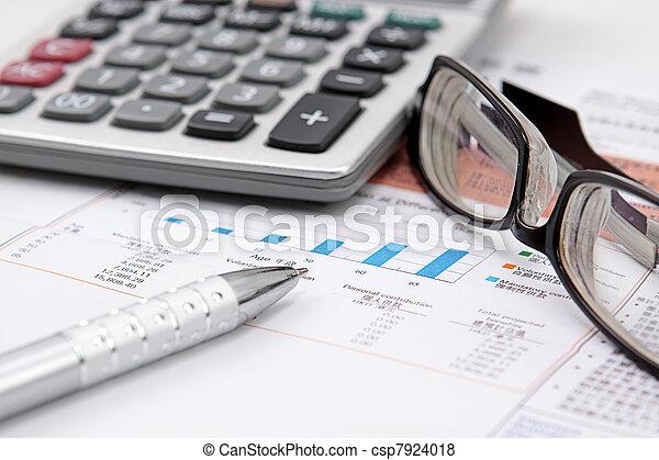 brille, taschenrechner, tabelle, bestand - csp7924018